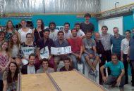 alumnos_docentes_y_empresarios_en_la_planta_de_sapa
