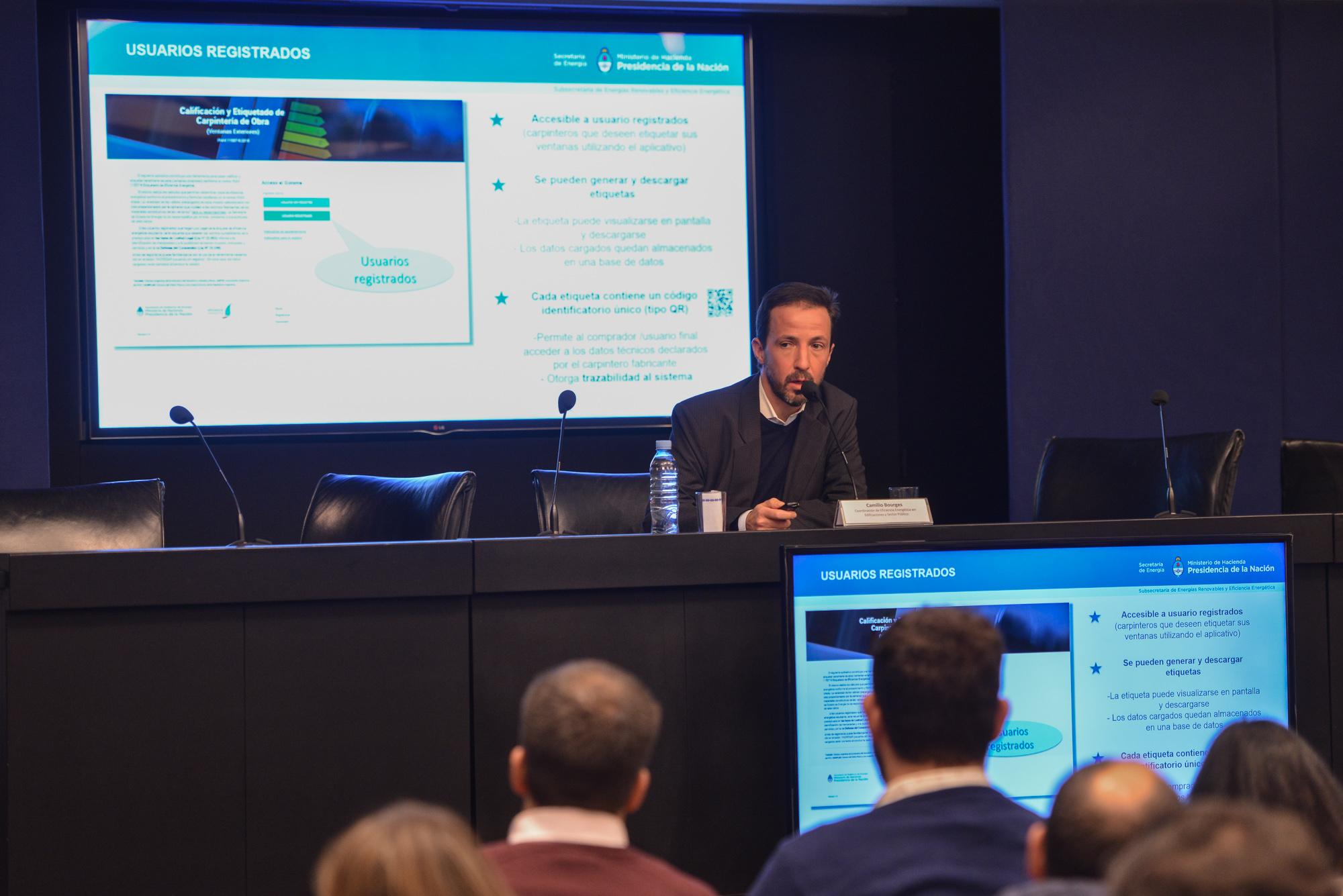 Ing. Camilo Bourges, de la Coord de Eficiencia Energética en Edificaciones y Sector Público, Sec de Energía